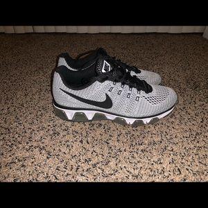 Nike Shoes - Nike Tailwind 8